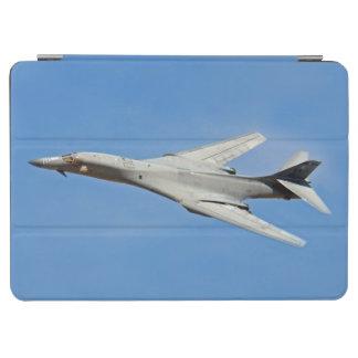 Asas do bombardeiro do lanceiro de B-1B varridas Capa Para iPad Air