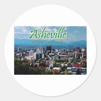 Asheville… diferente é boa! adesivo em formato redondo