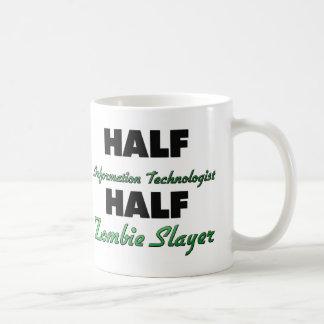 Assassino do zombi do meio tecnólogo da informação caneca de café