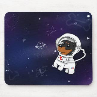 Astronauta mínimo do Pin no espaço Mousepad (Tan