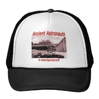 Astronautas antigos ajudados bone