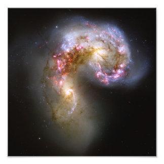Astronomia de espaço das galáxias das antenas impressão de foto