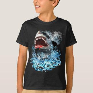 Ataque do tubarão! camiseta