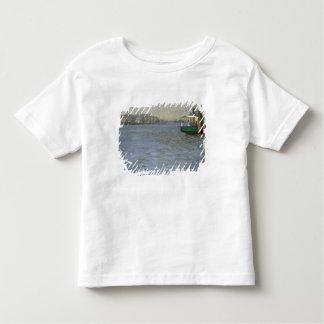 Atmosfera de domingo no Elbe Camiseta Infantil