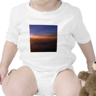 Atmosfera do roxo do por do sol camisetas