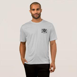 através da camisa do menino do PE do Esporte-Tek