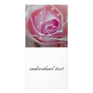 aumentou com rosa dos corações cartão com foto