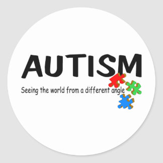 Autismo que vê o mundo de um ângulo diferente (Pi Adesivo Em Formato Redondo