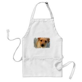 Avental amarelo do filhote de cachorro do laborató