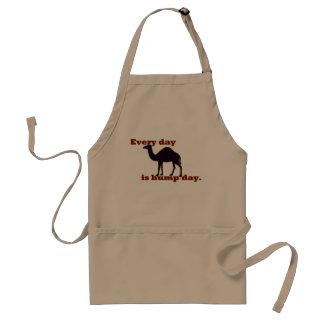 Avental Camelo - cada dia é dia de corcunda
