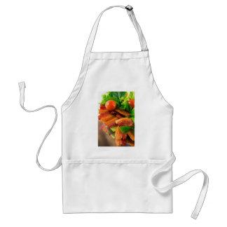 Avental Detalhe de uma placa do tomate fritado do bacon e