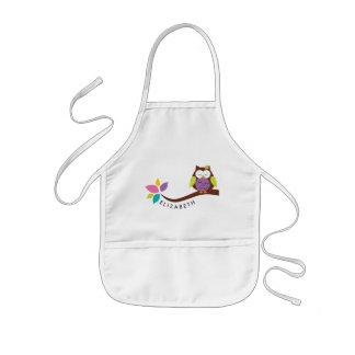 Avental Infantil Coruja colorida pequena bonito em um ramo