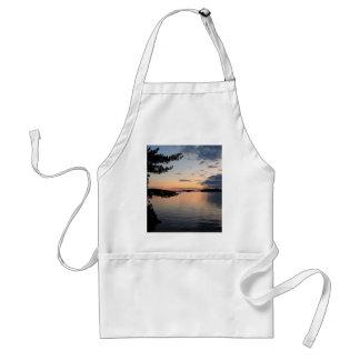 Avental Por do sol sobre o lago Maine Millinocket da ilha