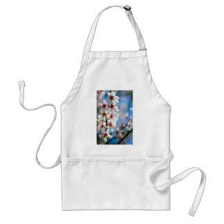 Avental Ramo de árvore de florescência com flores brancas