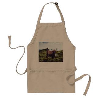 Avental Vaca bovina na paisagem bonita