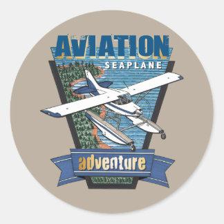Aventura do hidroavião da aviação adesivo redondo