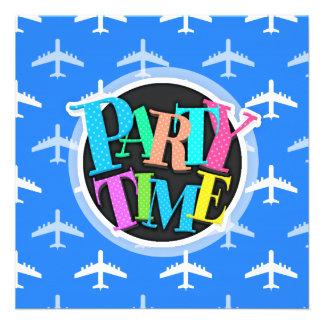 Avião dos azul-céu e do branco Plano