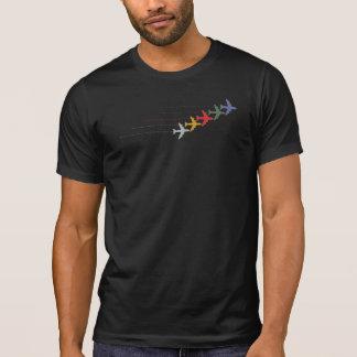 aviões da cor do viagem com linha pontilhada no camiseta