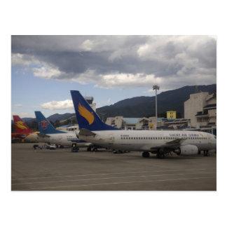 Aviões de passageiros chineses domésticos do jato cartão postal