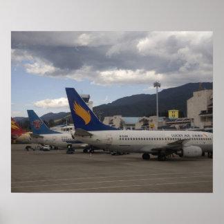 Aviões de passageiros chineses domésticos do jato  pôster