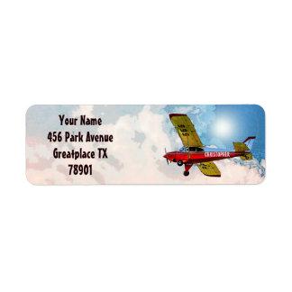 Aviões pessoais amarelos azuis vermelhos com seu etiqueta endereço de retorno