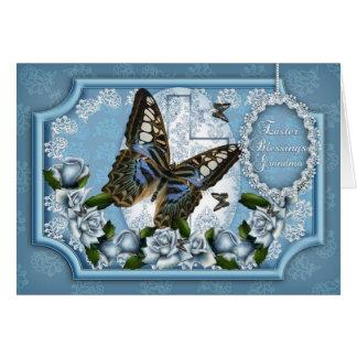 Avó, borboleta e cartão cor-de-rosa da páscoa