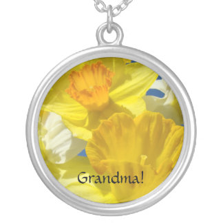 Avó! flores do Daffodil dos presentes de época Colar Com Pendente Redondo