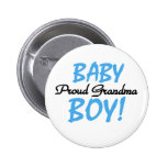 Avó orgulhosa do bebé botons