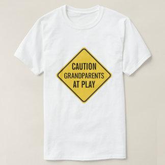 Avós no jogo engraçado camiseta