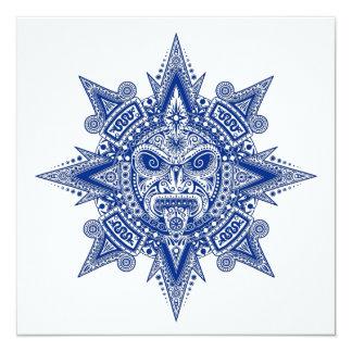 Azul asteca da máscara de Sun no branco Convite Personalizado