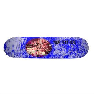 Azul com o skate claro do modelo da foto do Grunge