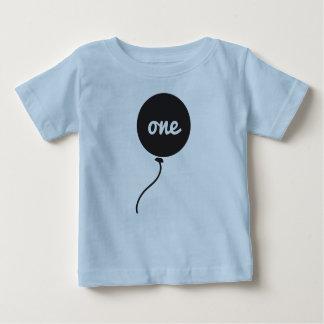 Azul da camisa | do aniversário do bebê primeiro