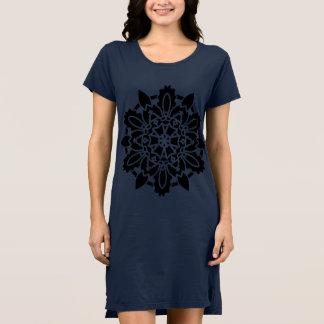 Azul de vestido das meninas com arte preta da