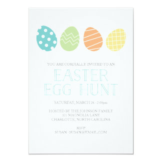 Azul do convite de festas da caça do ovo da páscoa
