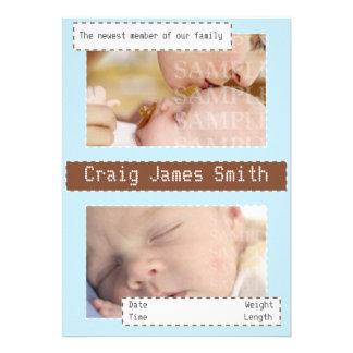 Azul e anúncio costurado marrom do bebê convite personalizado