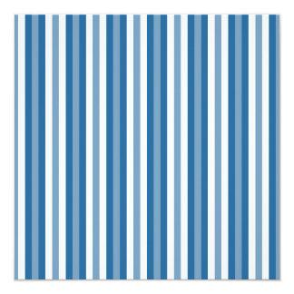 Azul e branco do fundo das listras convite quadrado 13.35 x 13.35cm