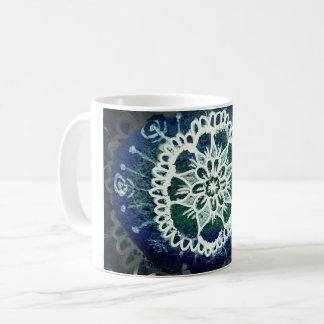 Azul floral da caneca da mandala