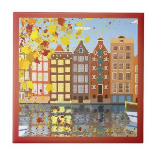 Azulejo colorido do outono do canal da cidade de
