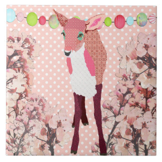 Azulejo cor-de-rosa bonito da jovem corça da flor