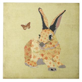 Azulejo floral gasto do coelho