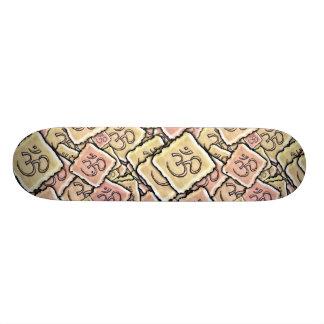 Azulejo OM do esmalte (Aum) Skates