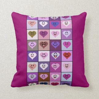 Azulejos cor-de-rosa & roxos do coração do smiley travesseiro