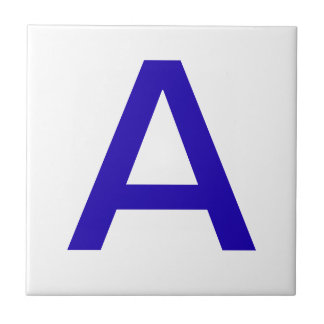 Azulejos da letra - azul no branco