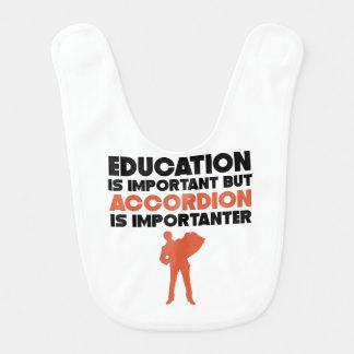 Babador A educação é importante mas o acordeão é