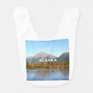 Babador Alaska: montanhas, floresta e rio, EUA