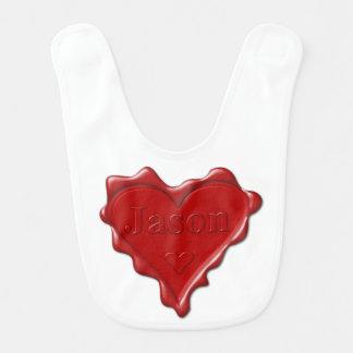 Babador De Bebe Jason. Selo vermelho da cera do coração com Jason