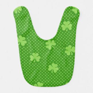 Babador Dia verde de Patricks do santo do teste padrão do
