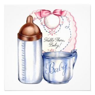 Babador, garrafa e copo do convite do chá de frald