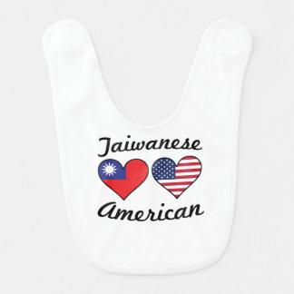 Babador Infantil Corações taiwaneses da bandeira americana