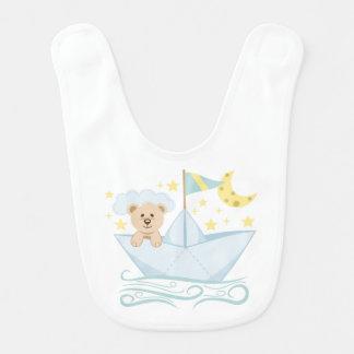 Babador Infantil Urso adorável no barco de papel
